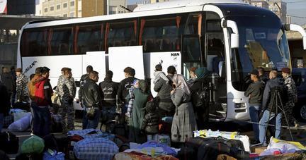 العفو الدولية: السلطات اللبنانية رحلت 2500 لاجئ سوري قسراً