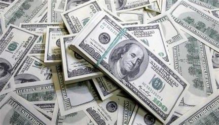 صحيفة: سنوات الحرب شهدت تهريب 35 مليار ليرة إلى 4 دول فقط