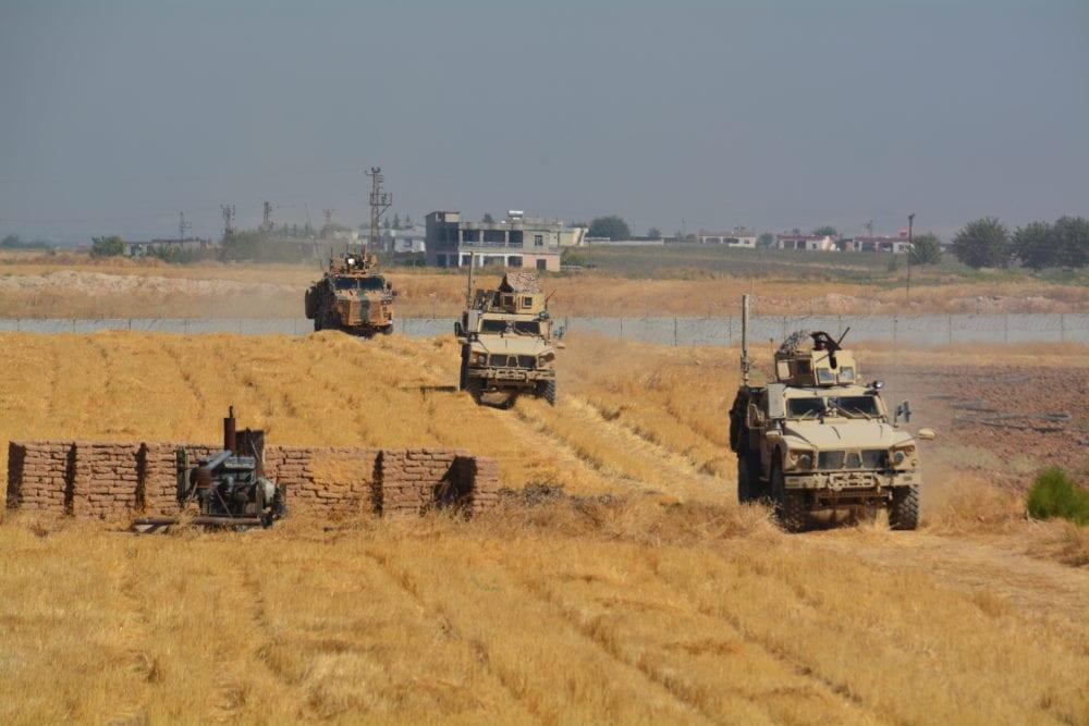 تسيير الدورية المشتركة الثانية على الحدود السورية التركية… واطمئنان مبدئي