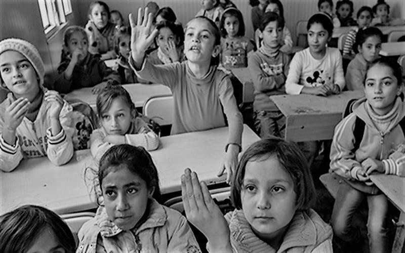بالأرقام.. قطاع التعليم في الشمال السوري ضحية انقطاع الدعم الأوروبي