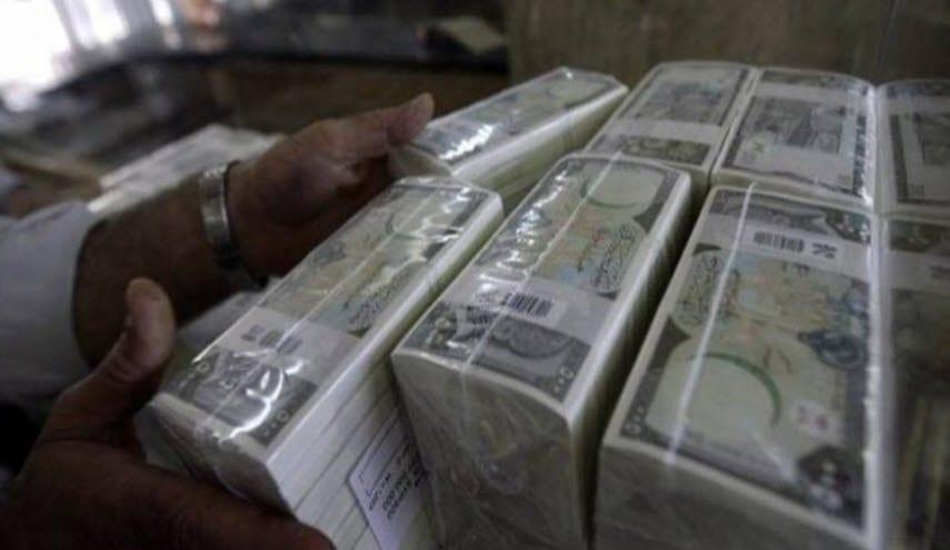 """هبة مالية 300 ألف ليرة… خبير يطلق حلاً """"إسعافياً"""" للاقتصاد السوري"""