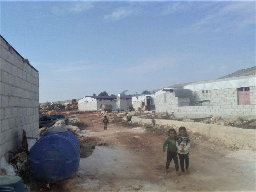 """أكثر من 240 مخيماً عشوائياً في الشمال """"خارج التغطية"""""""
