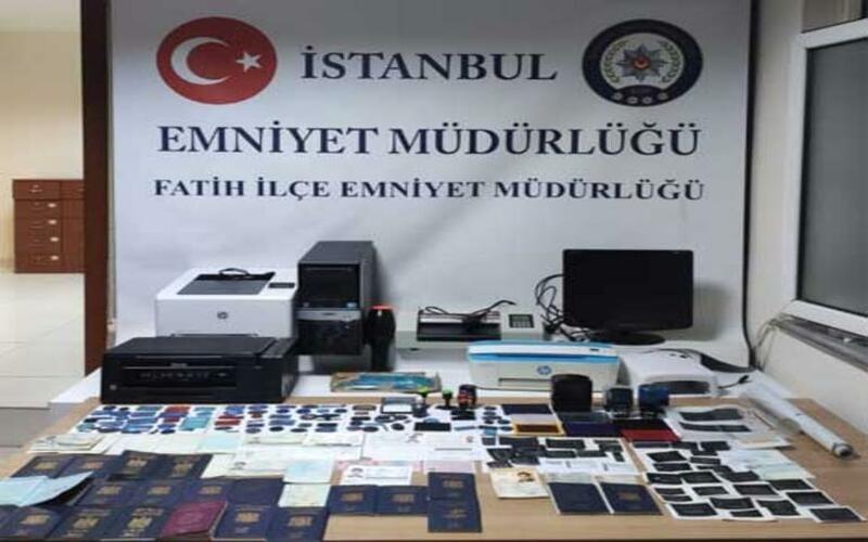 اعتقال سوريين في إسطنبول بتهمة تزوير وثائق رسمية