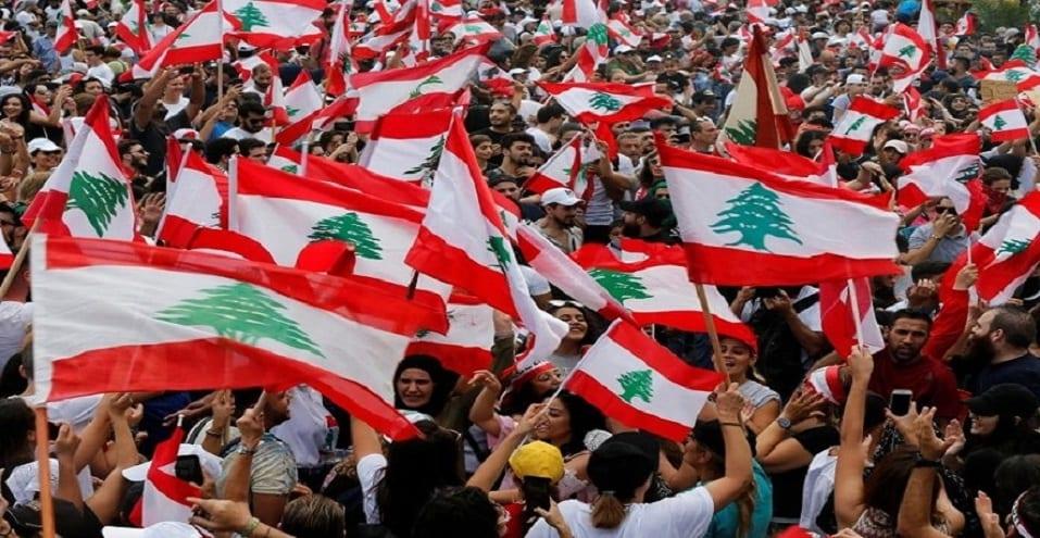 لبنان: قطع للطرقات ورشق للوزراء بالبيض رفضاً للبيان الوزاري