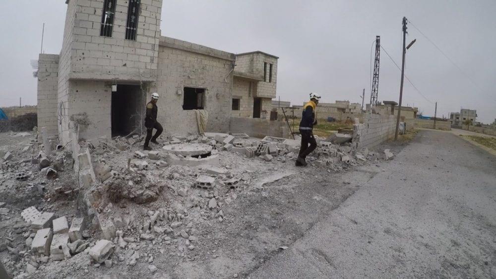 """مقتل ثلاثة عناصر من """"الخوذ البيضاء"""" بانفجار غرب حماة"""