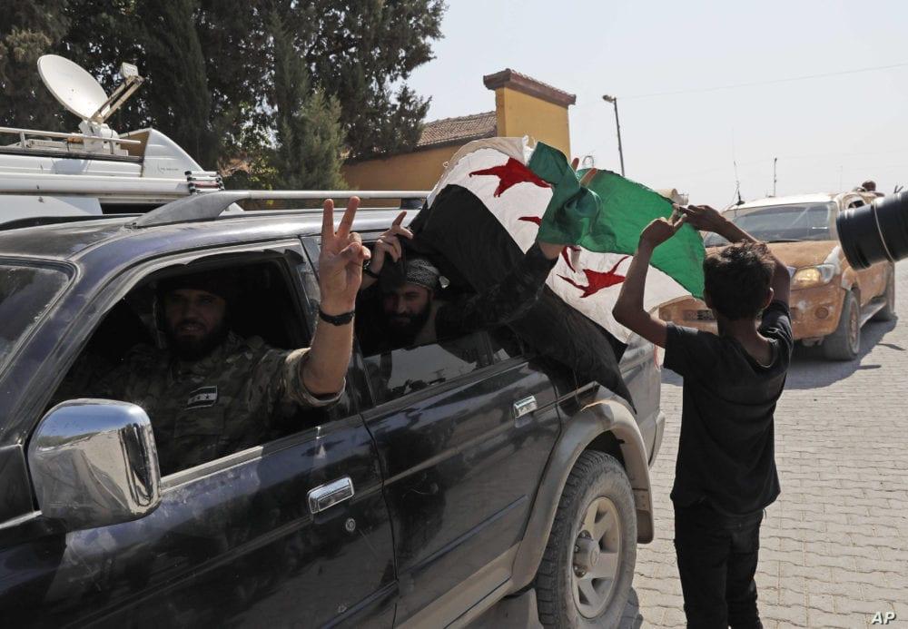 مصادر «الحل» تؤكد: مقاتلون سوريون يتوجهون إلى ليبيا خدمةً لتركيا