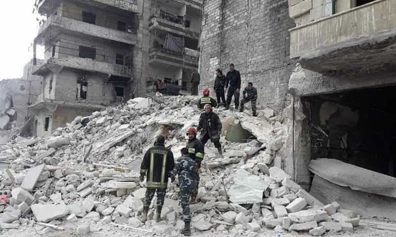 سُكّان حلب يموتون بمخلّفات المعارك.. هبوط الأبنية يحصد عشرات الأرواح