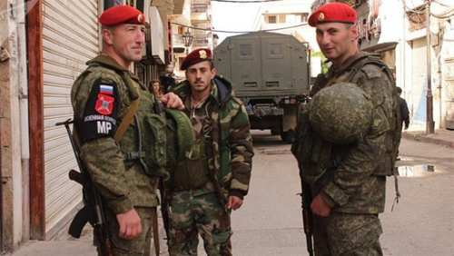 الشرطة الروسية تعتقل عناصر موالية للجيش في ديرالزور