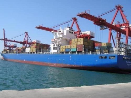 محملة بـ 1500 طن… أول سفينة حمضيات سورية إلى روسيا