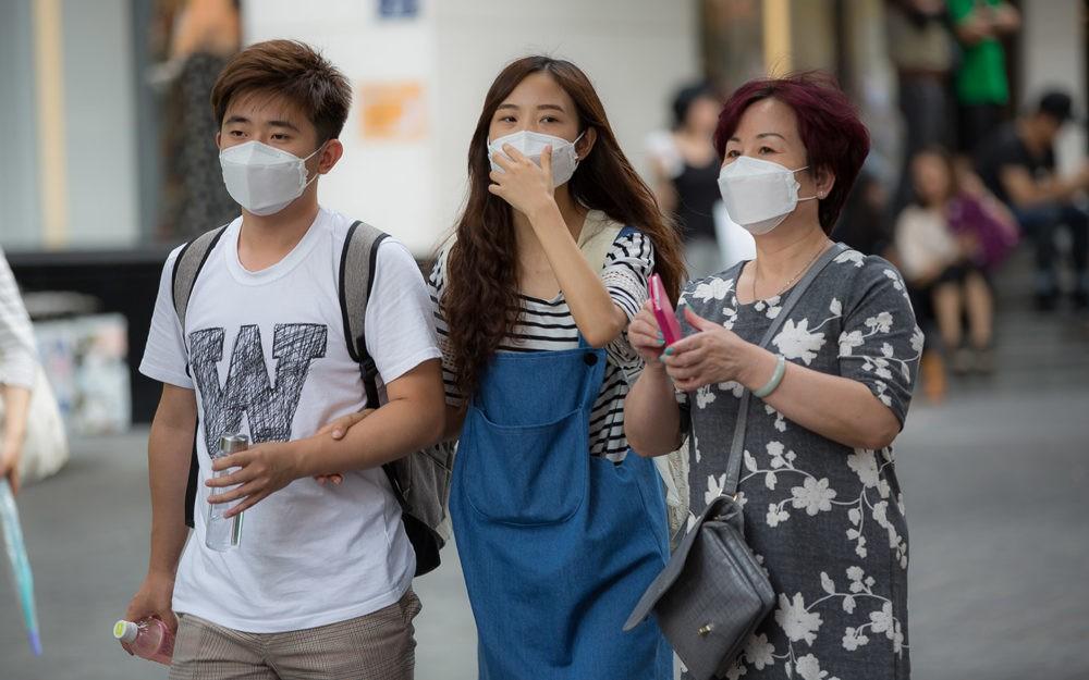 """الصين تعلن سيطرتها على فيروس """"كورونا"""""""