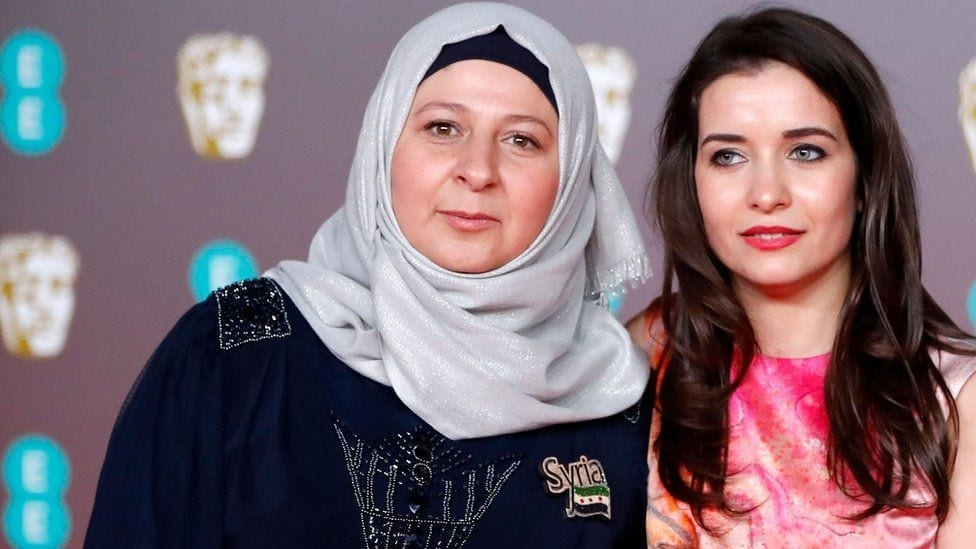 """""""وعد"""" وعائلتها على المسرح: جائزة لـ السينما وإدلب والسوريات"""