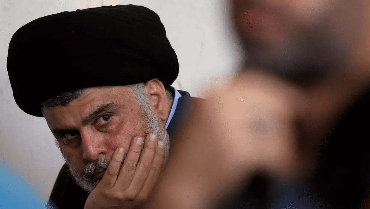 الزعيم الشيعي العراقي مقتدى الصدر في النجف، 1 نوفمبر/تشرين الثاني 2019. رويترز