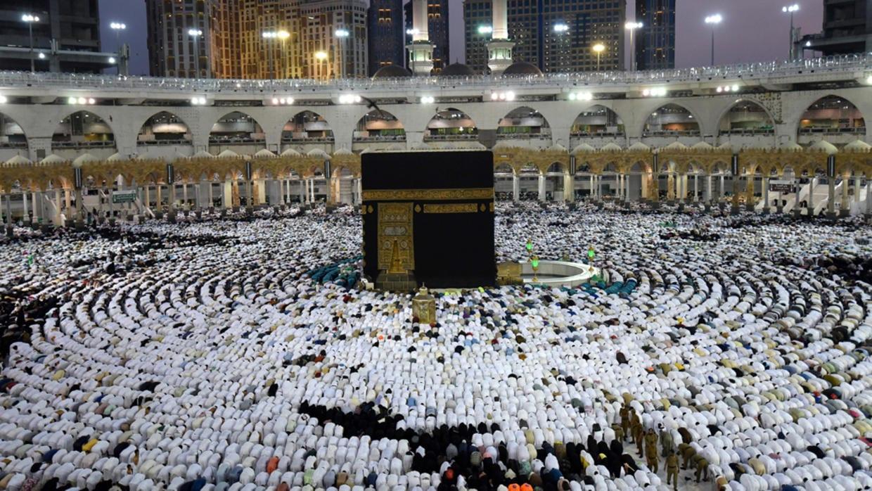 السعوديّة تعلّق دخول الراغبين بالعمرة إلى أراضيها بسبب كورونا