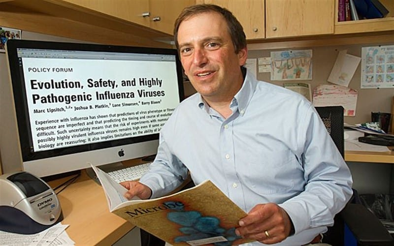 """عالِم في جامعة هارفارد: 40 لـ 70% من سكان العالم عُرضة للإصابة بـ """"كورونا"""""""