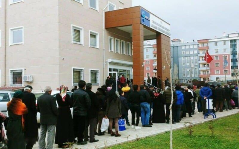 تقرير رسمي: ارتفاع معدل البطالة في تركيا والليرة في تراجع