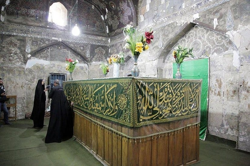 """ضريح النبي """"حزقيال"""" يُحيي الماضي اليهودي في العراق"""