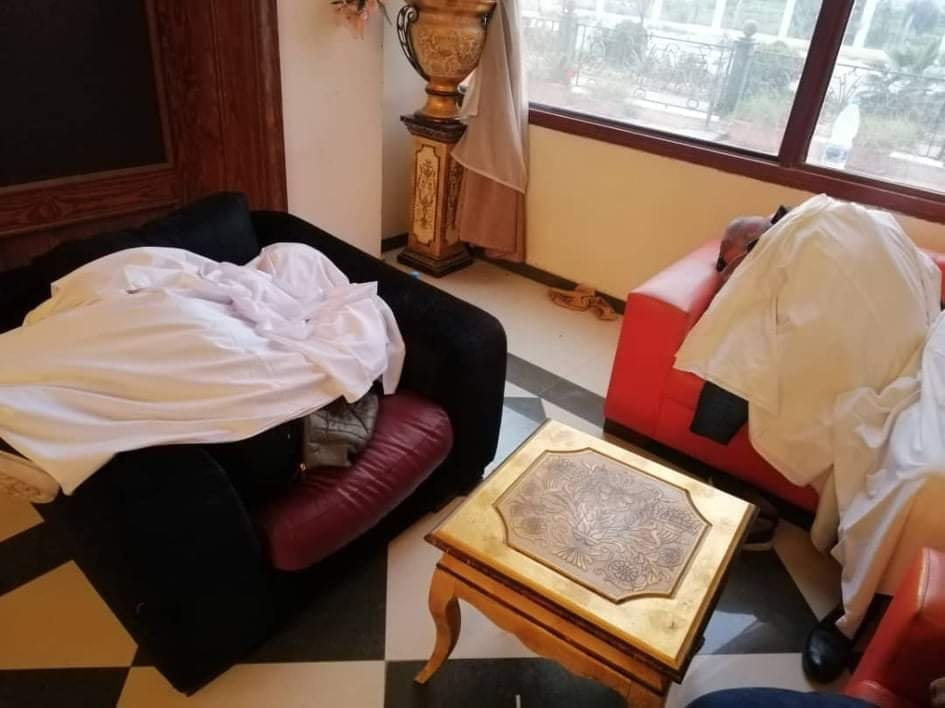 """من """"الدوير"""" إلى فندق المطار: تعثُّر الحجر الصحي على قادمين من إيران"""