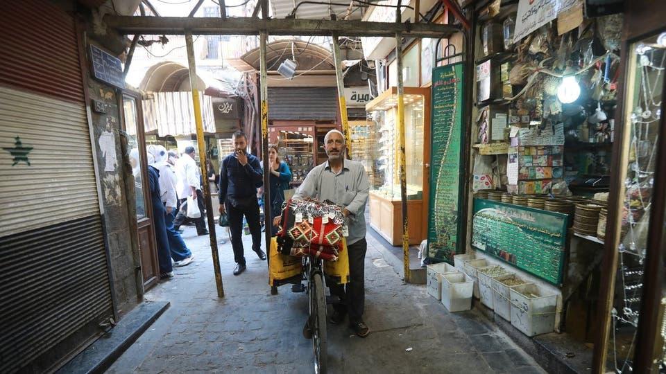 """""""كورونا"""" والاقتصاد في سوريا: من يعوّض المتضررين؟"""