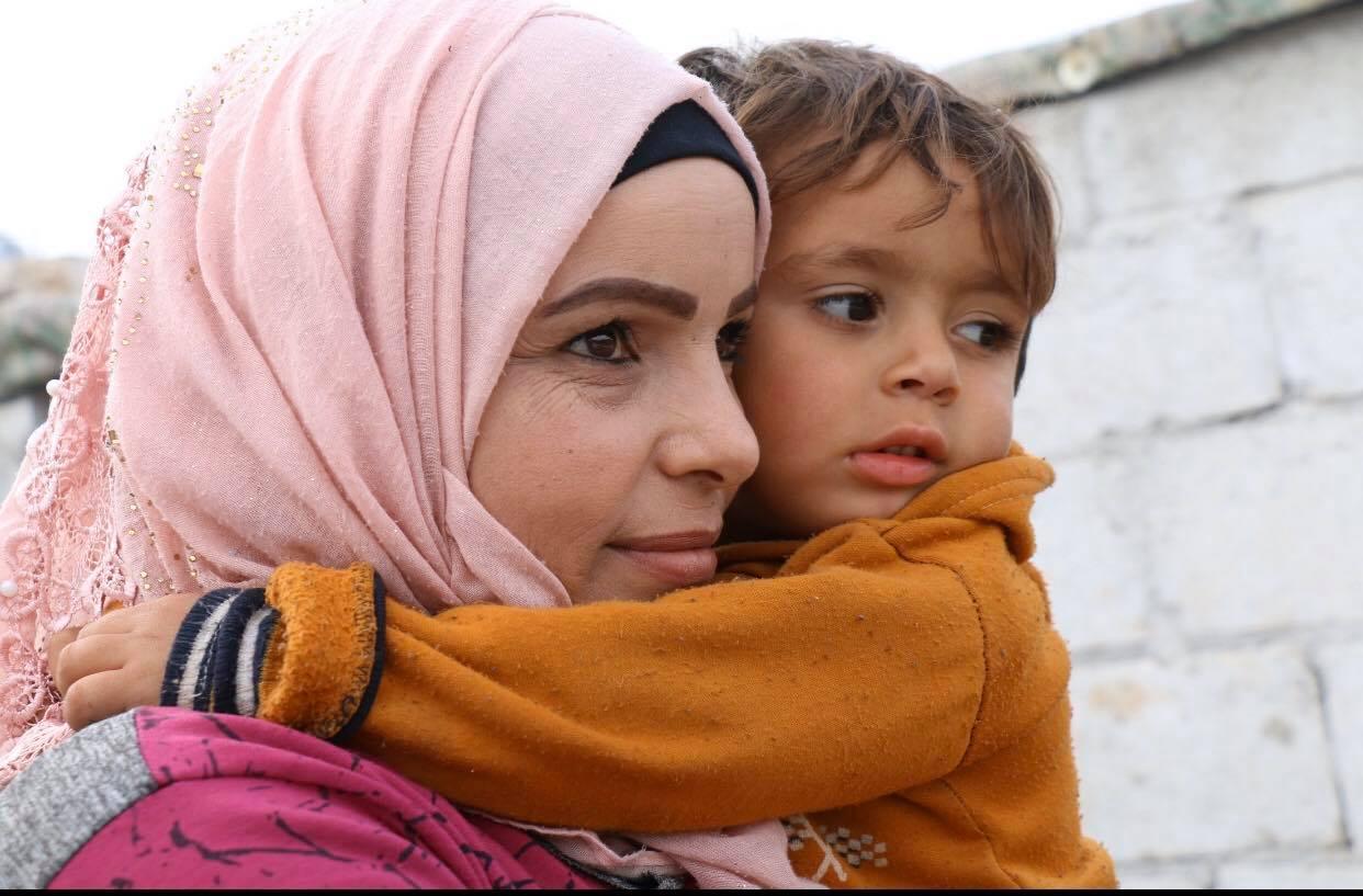 """دَاليَا: سوريّة في مخيّم الأناضول تعلن الحرب على """"كورونا"""""""