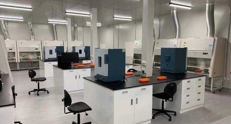 """الإمارات تفتتح ثاني أكبر مختبر في العالم لتشخيص """"كورونا"""""""