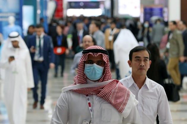 """دولة عربية تفرض غرامة طائلة على من ينشر أخباراً مغلوطة عن """"كورونا"""""""