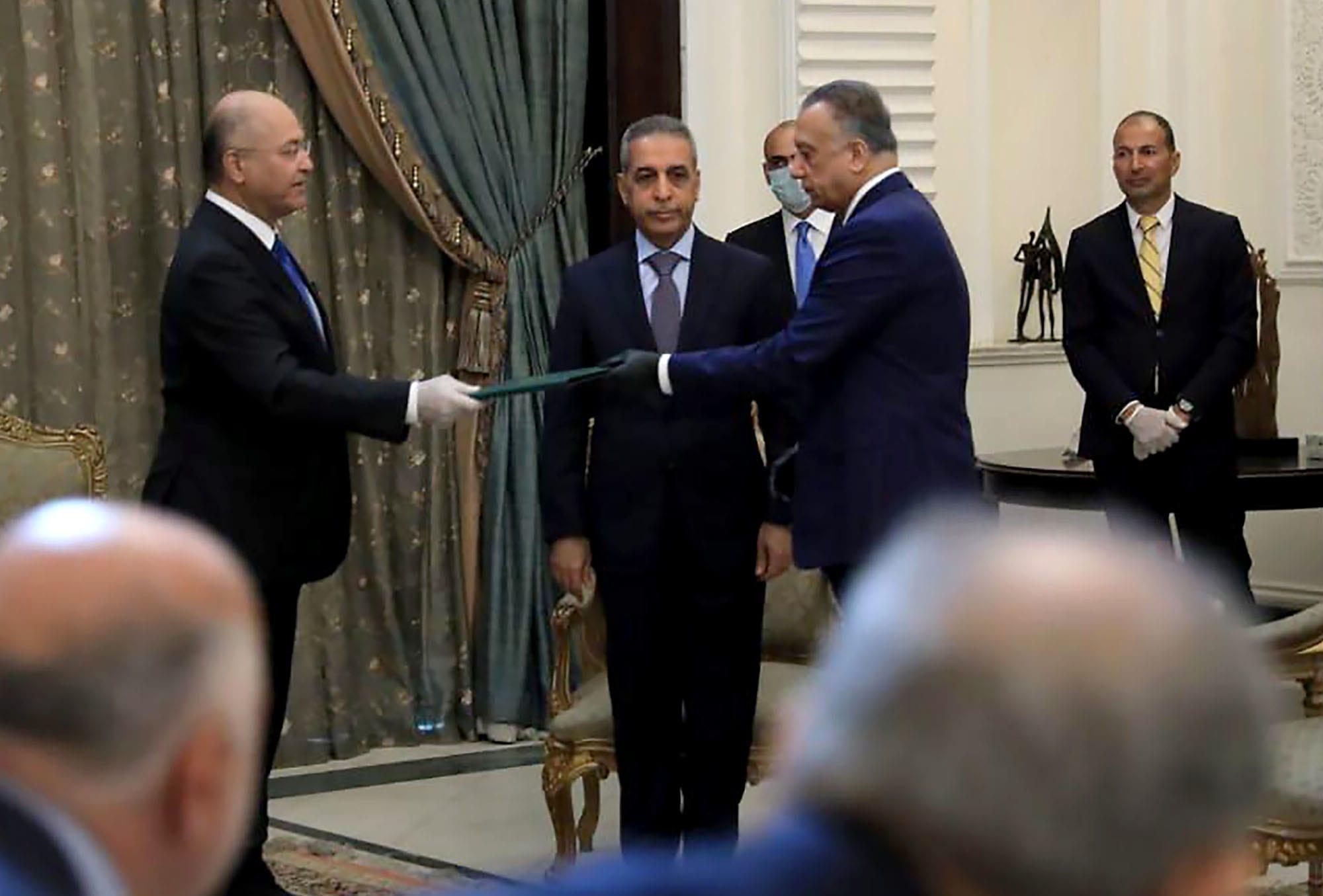 """الكاظمي ليس وحده.. تحالفٌ """"خفِي"""" يقودهُ صالح ضد الأحزاب الشيعية"""