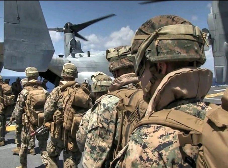 """القوات الأميركية تُسلّم """"قاعدة الحبانية"""" للقوات العراقية وتنسحب نحو """"عين الأسد"""""""