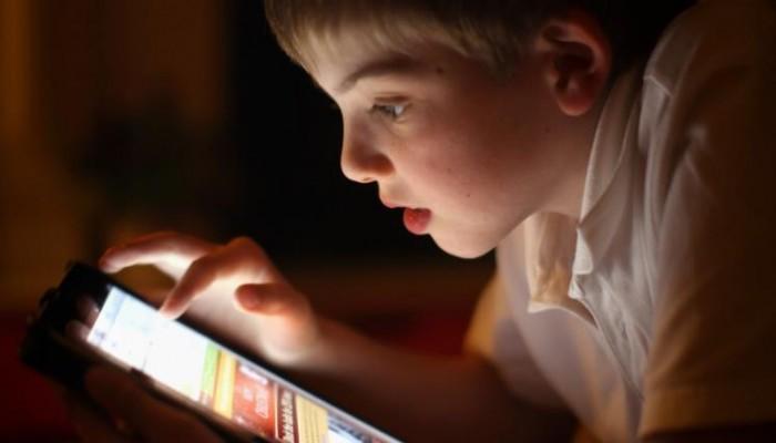 الإدمان الإلكتروني عند الأطفال