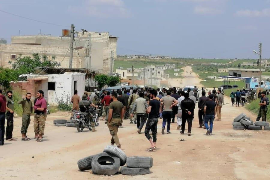 بعد الضغوط الشعبيّة… تحرير الشام تفشل بفتح معبر مع «الحكومة السوريّة»