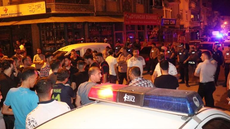 تركيا – شجارٌ بين سوريين بإسطنبول.. والشرطة تتدخل وتفرض غرامات