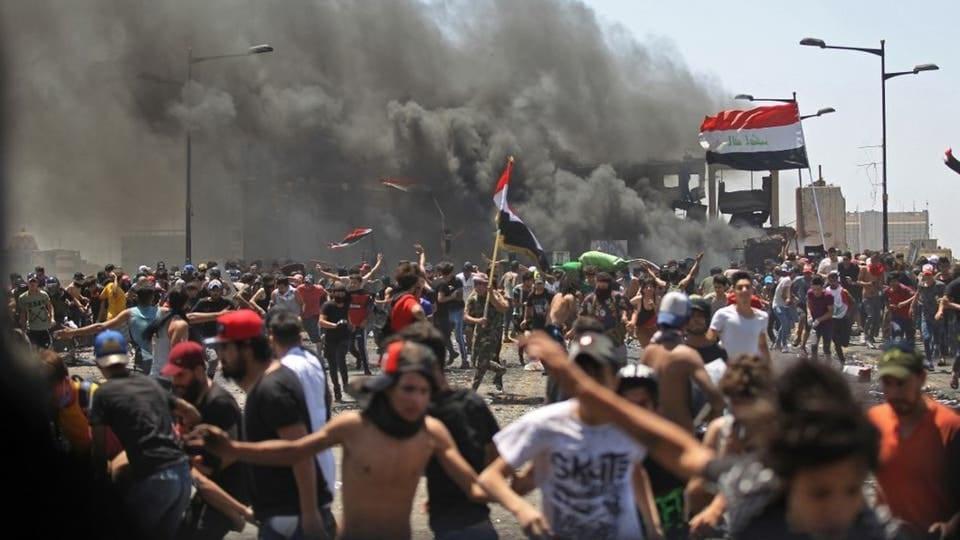 """بين """"إسقاط النظام"""" و """"الرسائل"""": الاحتجاجات تتجدّد في العراق"""