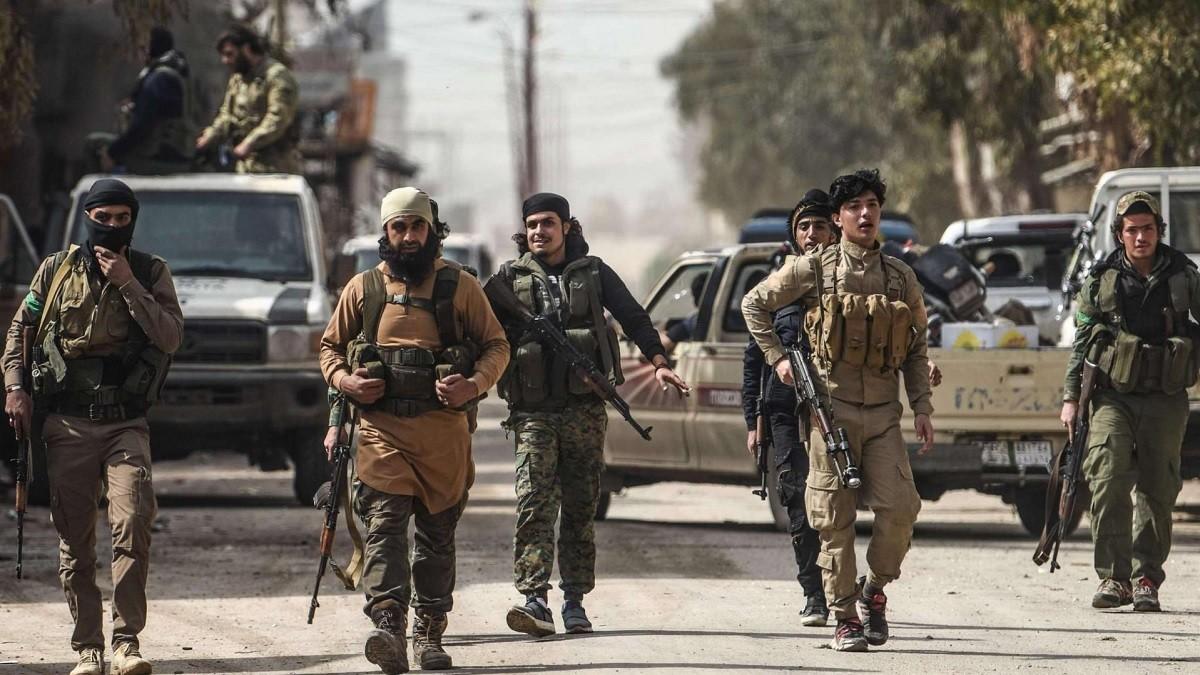 """""""الجبهة الشامية"""" تعتقل 35 شخصاً في ريف """"تل أبيض"""" شمالي الرقة"""