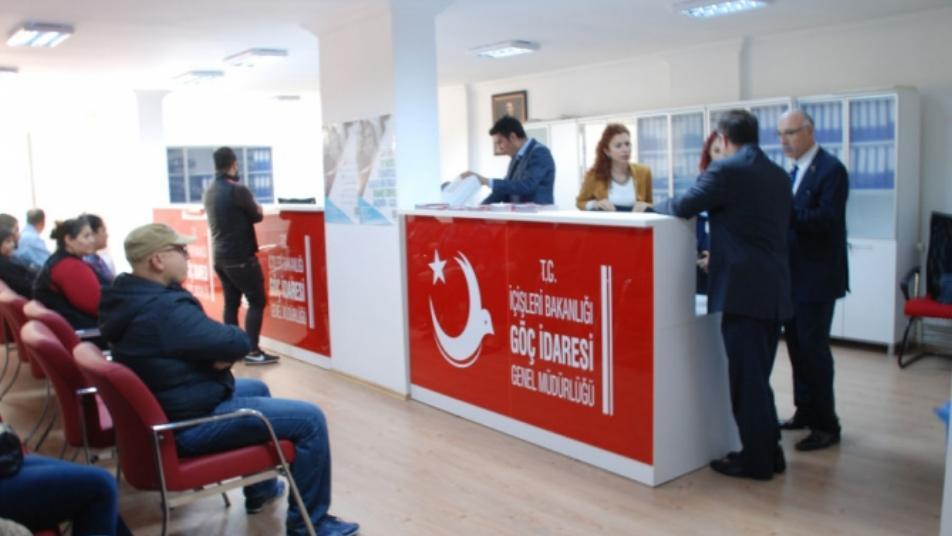 """انتعاش سوق """"سماسرة"""" تأشيرات الدخول إلى تركيا والثمن يبدأ من 3000 دولار"""