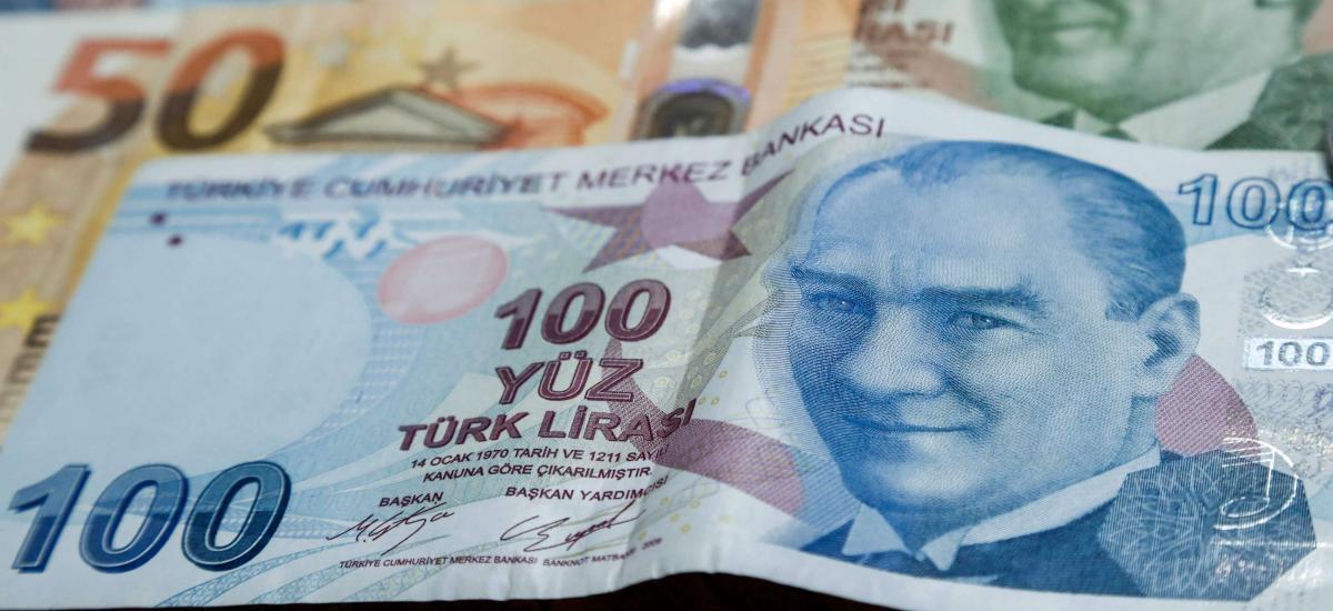 """بعد بدء تنفيذ """"قانون قيصر"""": ما تأثير إدخال العملة التركية إلى الشمال السوري؟"""