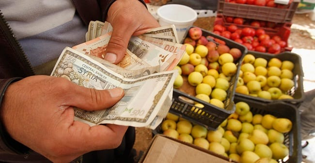 550 ألف ليرة تكلفة معيشة الأسرة السورية… والراتب الحالي 50 ألف!