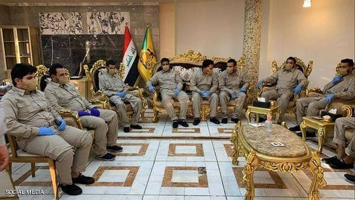"""إطلاق سراح عناصر ميليشيا """"الكتائب"""".. احتفَلوا بحَرق صورة """"الكاظمي"""" ودَهسها"""