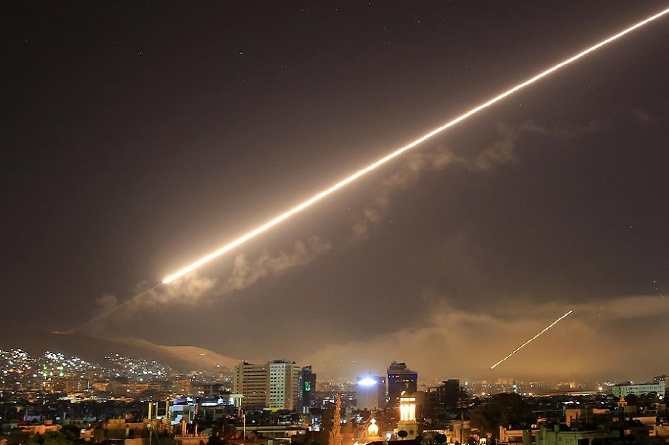 قصفٌ جوي إسرائيلي على مواقعٍ للحكومة السورية والميليشيات الإيرانية جنوبي سوريا