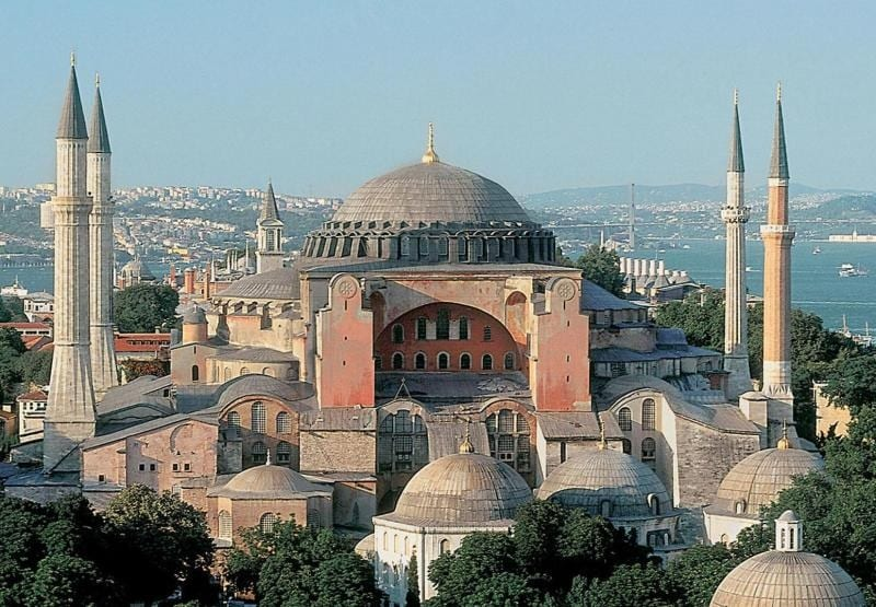 """غضبٌ عالمي تجاه قرار أردوغان بتحويل """"أيا صوفيا"""" إلى مسجد للمسلمين في تركيا"""
