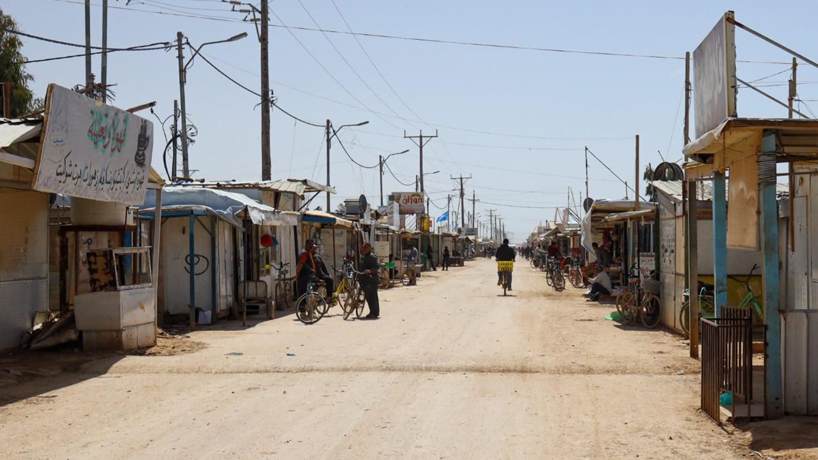 السوريون في الأردن: لا حلول للعودة والفقر يدفعهم نحو السجون