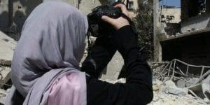 في شمال غربي سوريا.. صَحفياتٌ في مواجهة التّنمّر وعادات المجتمع