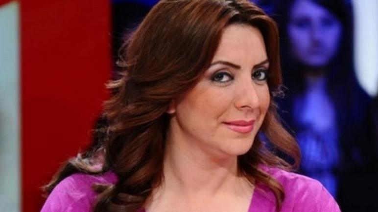 """«خفّو علينا»… الممثلة السوريّة """"شكران مرتجى"""" تنتقد موجة غلاء الأسعار (فيديو)"""