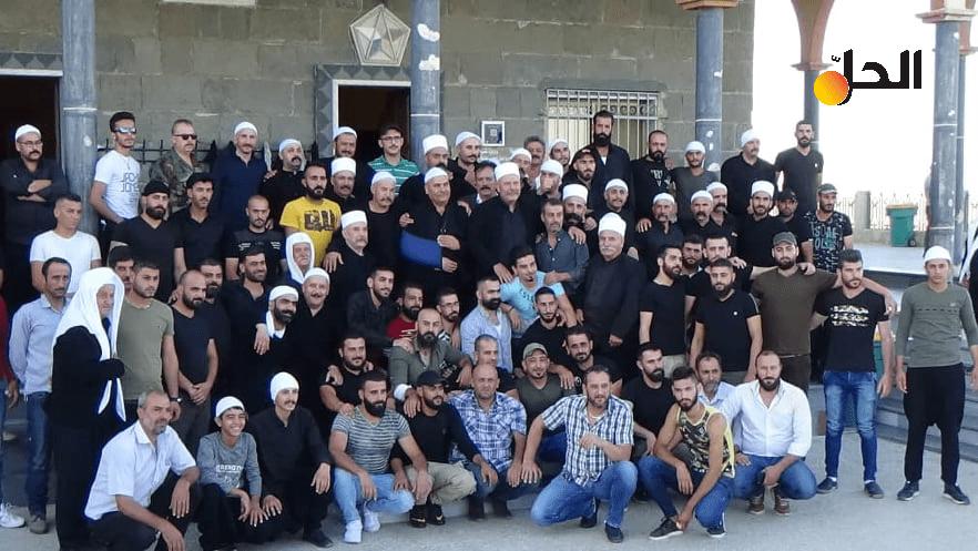 """حركة """"رجال الكرامة"""": قوة وطنية أم تنظيم ديني متطرّف تخلّى عن متظاهري السويداء؟"""