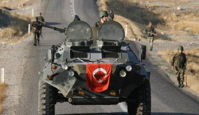 القوات التركية تسيطر على جبلين في دهوك وتستمر بقصف القرى الكردية
