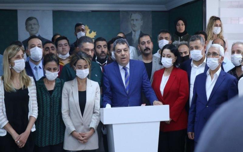 """أعضاء حزب """"المستقبل"""" التركيّ المعارض يعلنون استقالتهم .. ما السبب؟!"""