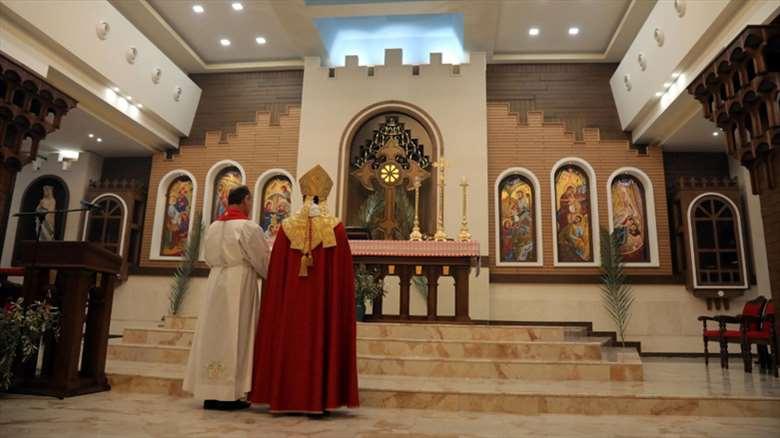 من الاغتيالِ إلى الهجرةِ ثم العودة.. ما مستقبلُ المسيحيين في العراق؟