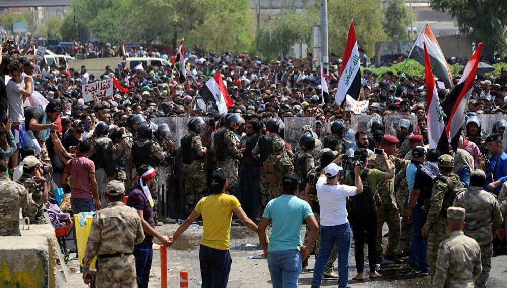 غضبٌ في البصرة: حرقٌ واعتقالات، وتَنديدٌ دولي بحملة اغتيالات الناشطين
