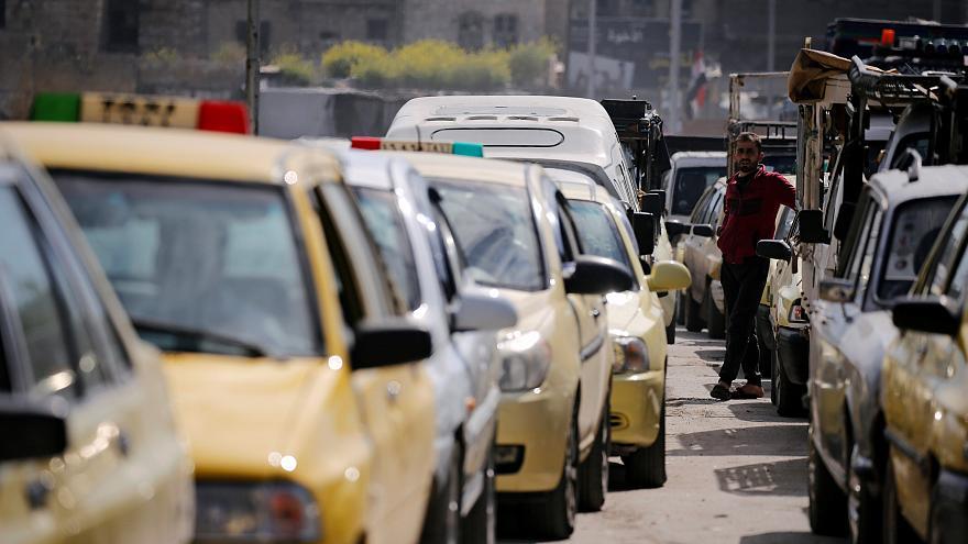 """إجراءات """"ترقيعية"""" لمواجهة أزمة البنزين في سوريا..والحل بيد إيران!"""