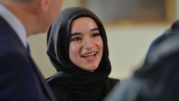 لاجئة سوريّة تصف أسعد لحظات حياتها بعد ثناءٍ أمام البرلمان الأوروبي