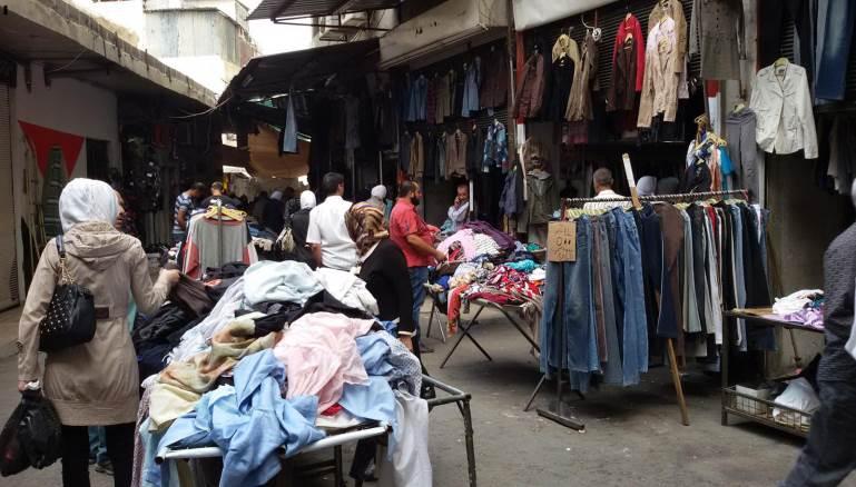 """في سوريا… القميص براتب شهرين وحتى """"البالة"""" أصبحت للأغنياء!"""