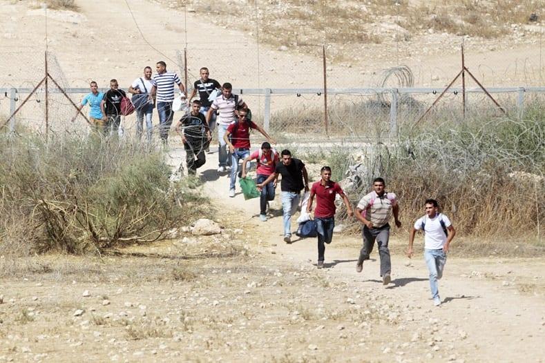 شباب الجنوب السوري ينجون بأرواحهم مقابل مبالغ طائلة إلى جيوب المخابرات